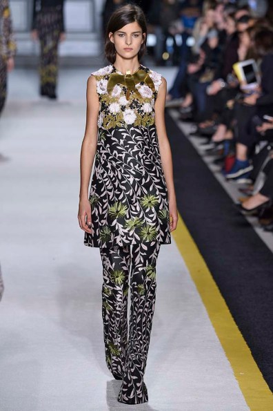 Giambattista Valli Paris RTW Fall Winter 2015 March 2015
