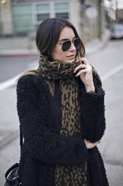 Oversized-Knit-Scarf-Aviator-Sunglasses-Fashion-Blogger