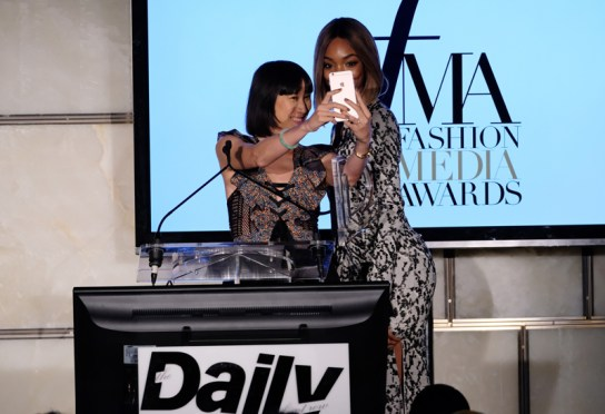 NEW YORK, NY - SEPTEMBER 08: (EXCLUSIVE ACCESS, SPECIAL RATES APPLY) Eva Chen and model Jourdan Dunn onstage at The Daily Front Row's 4th Annual Fashion Media Awards at Park Hyatt New York on September 8, 2016 in New York City. (Photo by Larry Busacca/Getty Images)