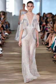 Monique L Huillier New York RTW Spring Summer 2017 September 2016