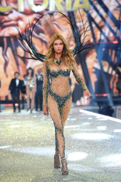 PARIS, FRANCE - NOVEMBER 30: Stella Maxwell walks the runway during the 2016 Victoria's Secret Fashion Show on November 30, 2016 in Paris, France. (Photo by Dimitrios Kambouris/Getty Images for Victoria's Secret)