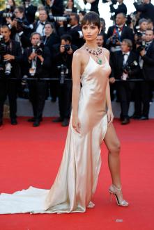"CANNES, FRANCE - MAY 17: Emily Ratajkowski attends the ""Ismael's Ghosts (Les Fantomes d'Ismael)"" screening and Opening Gala during the 70th annual Cannes Film Festival at Palais des Festivals on May 17, 2017 in Cannes, France. (Photo by Andreas Rentz/Getty Images)"