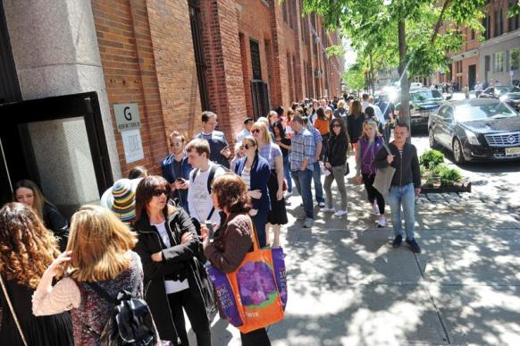 NEW YORK, NY - MAY 21: Fans line up outside for TNT's Claws Brunch by Chef Brooke Williamson, presented by TNT Supper Club at West Edge on May 21, 2017 in New York City. (Photo by Brad Barket/Getty Images for Vulture Festival)