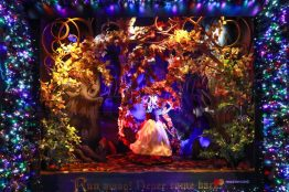 Saks x Disney Holiday Window (5)