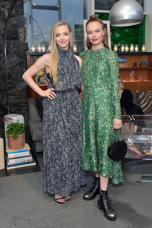 Amanda Seyfried and Kate Bosworth