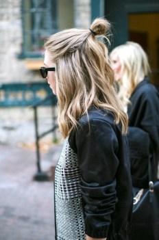 7-Le-Fashion-Blog-20-Inspiring-Half-Up-Top-Knot-Hairstyles-Blonde-Wavy-Hair-Bun-Via-Zipped