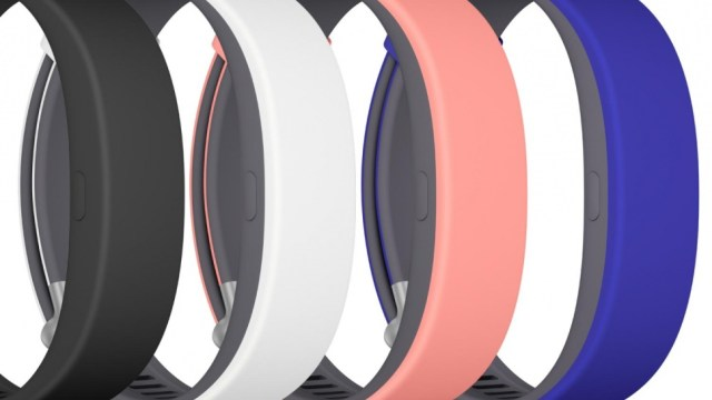 sony-smartband-2-group-970x546-c