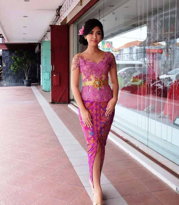 30 Model Kebaya Wisuda Modern Simple Terbaru 2019