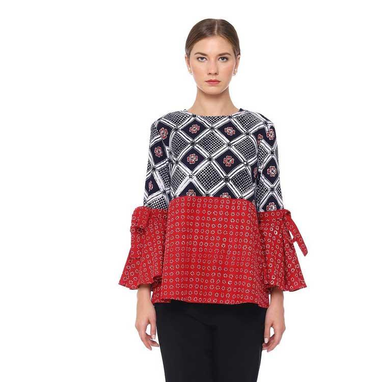 10 Model Baju Batik Sarimbit Modern Terbaru 2018: 30 Model Baju Atasan Batik Yang Terbaru