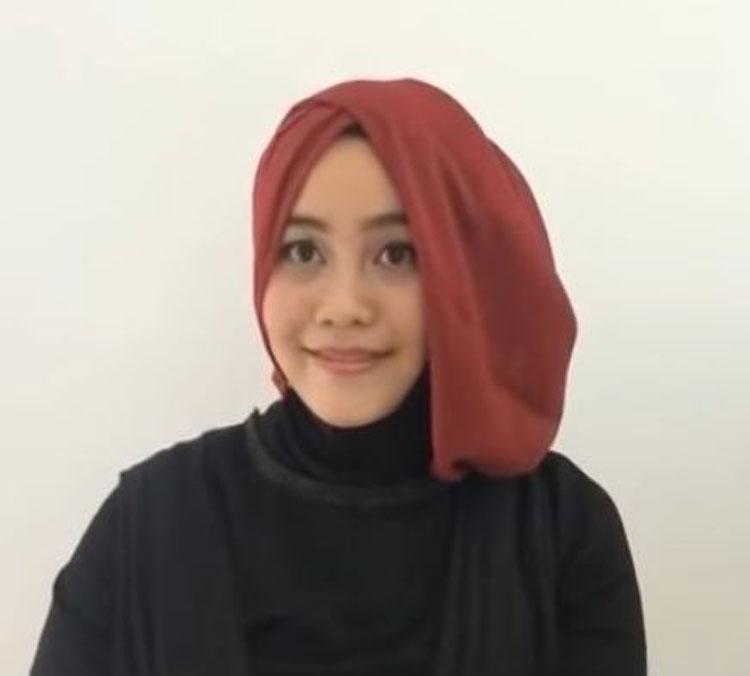 30 Tutorial Hijab Kebaya Pashmina Segi Empat Pesta Wisuda