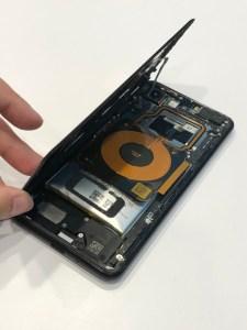 PIXEL3電池膨脹愈膨愈大了好恐怖!PIXEL手機維修