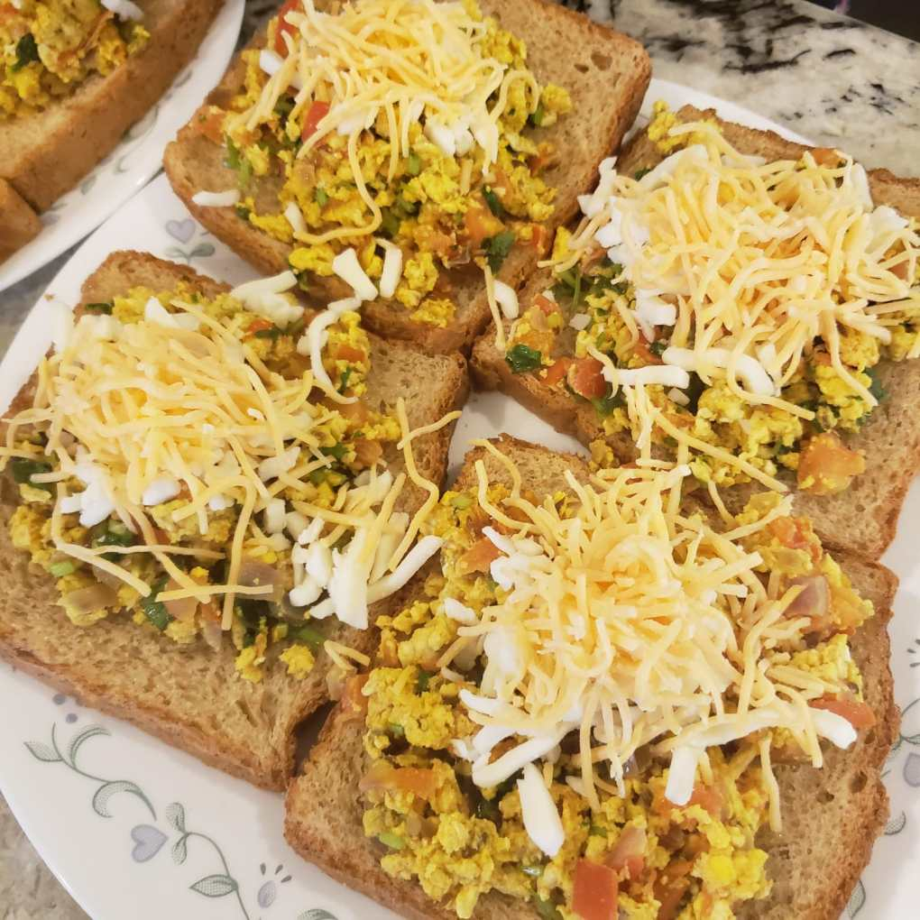 add egg and cheese on toast