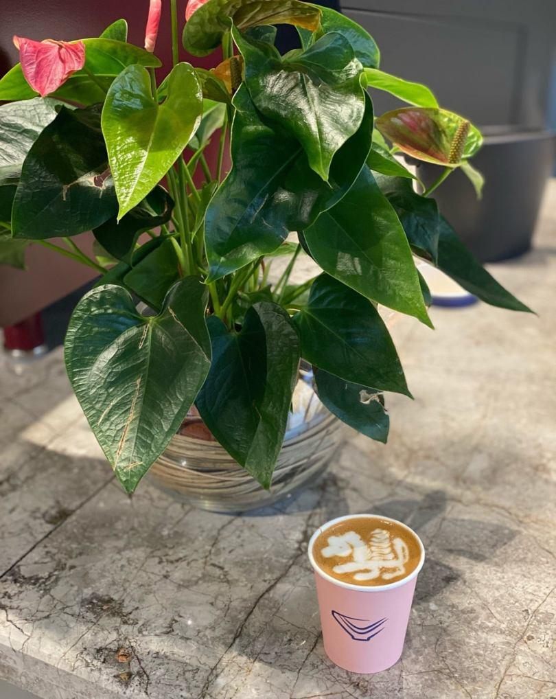 محمصة ومقهى أناليسيس بالرياض