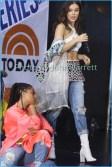 HAILEE STEINFELD Performing on NBC ''Today''show at Rockefeller Plaza John Barrett/Globe Photos 2017