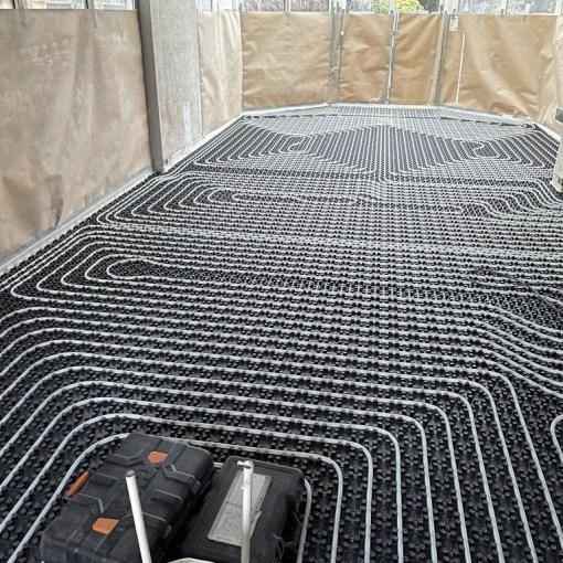 Installing the floor heating