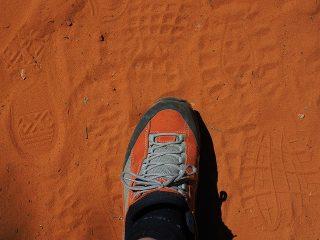土のランニングコースでスポーツ貧血予防