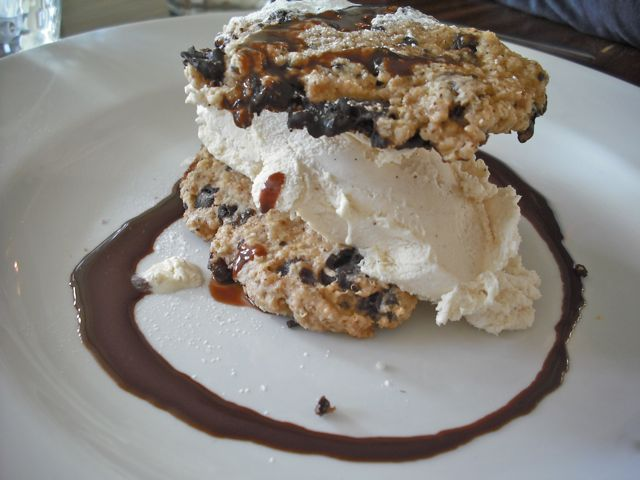 https://i2.wp.com/fatgayvegan.com/wp-content/uploads/2011/03/dessert.jpg?fit=640%2C480
