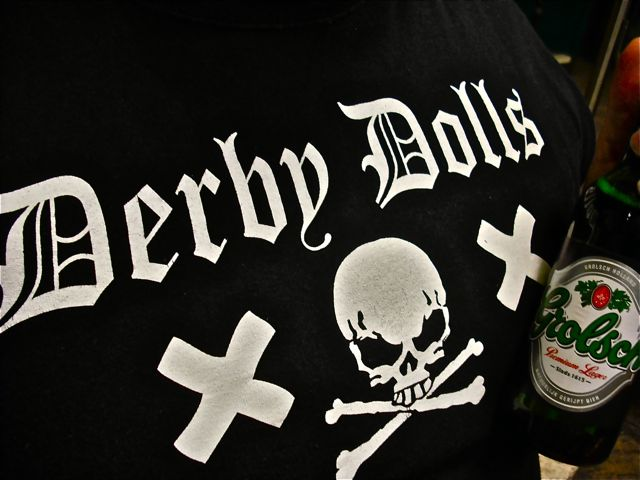 https://i2.wp.com/fatgayvegan.com/wp-content/uploads/2011/04/derby-dolls-grolsch.jpg?fit=640%2C480
