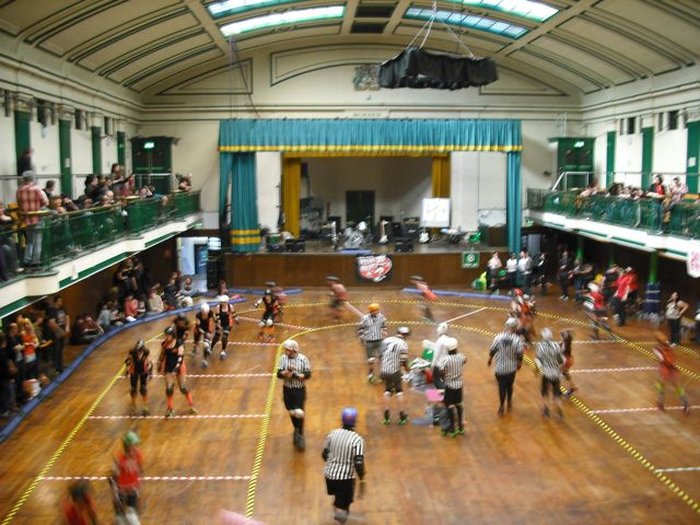 https://i2.wp.com/fatgayvegan.com/wp-content/uploads/2011/04/roller-derby-b-green1.jpg?fit=640%2C480