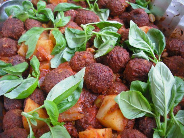 https://i2.wp.com/fatgayvegan.com/wp-content/uploads/2011/07/italian-meatballs.jpg?fit=640%2C480
