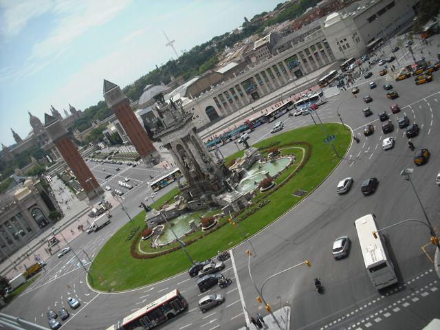https://i2.wp.com/fatgayvegan.com/wp-content/uploads/2011/07/plaza-espanya.jpg?fit=640%2C480&ssl=1
