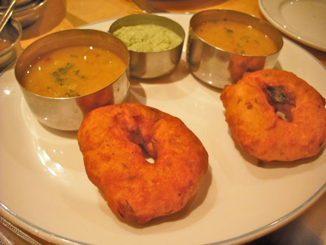 https://i2.wp.com/fatgayvegan.com/wp-content/uploads/2011/07/sagar-donuts.jpg?fit=640%2C480
