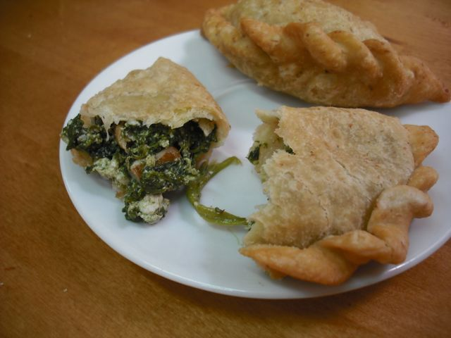 https://i2.wp.com/fatgayvegan.com/wp-content/uploads/2011/08/empanada.jpg?fit=640%2C480