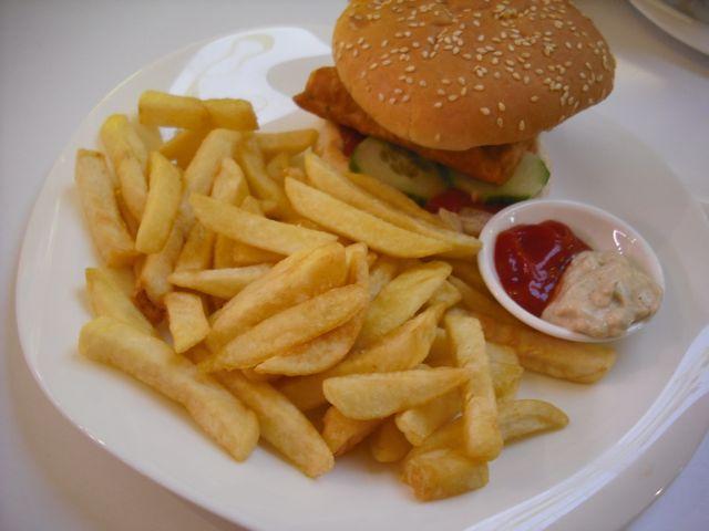 https://i2.wp.com/fatgayvegan.com/wp-content/uploads/2011/10/ocean-burger.jpg?fit=640%2C480&ssl=1