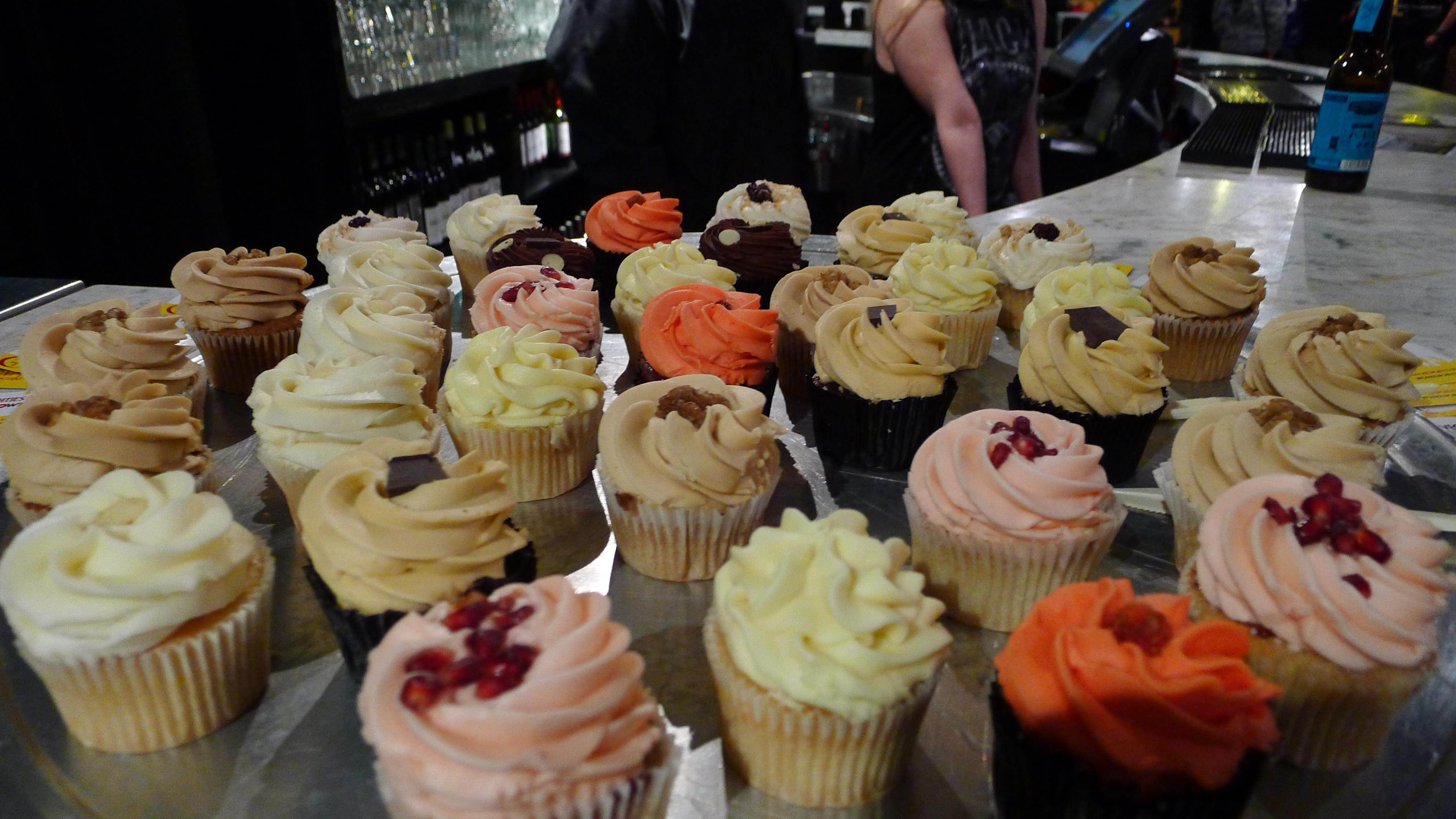 https://i2.wp.com/fatgayvegan.com/wp-content/uploads/2013/01/cupcakes.jpg?fit=3968%2C2232