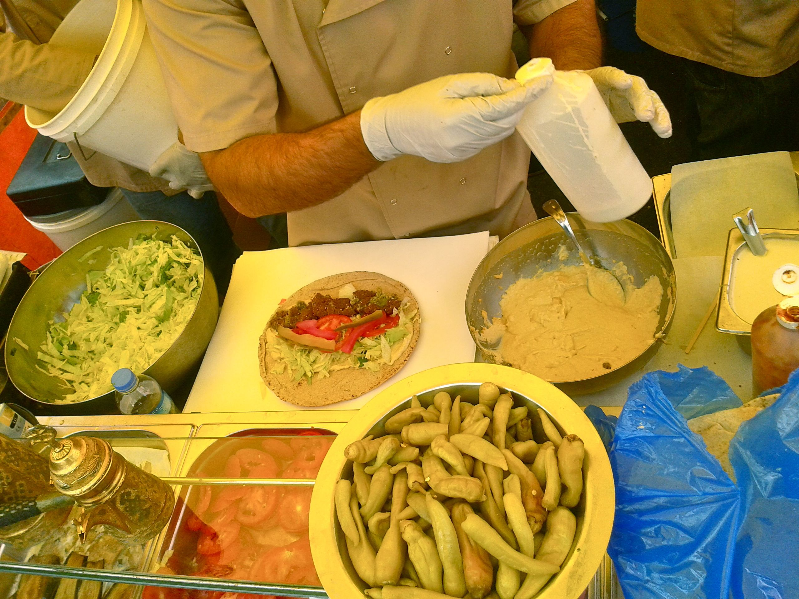 https://i2.wp.com/fatgayvegan.com/wp-content/uploads/2013/08/falafel-making.jpg?fit=2560%2C1920
