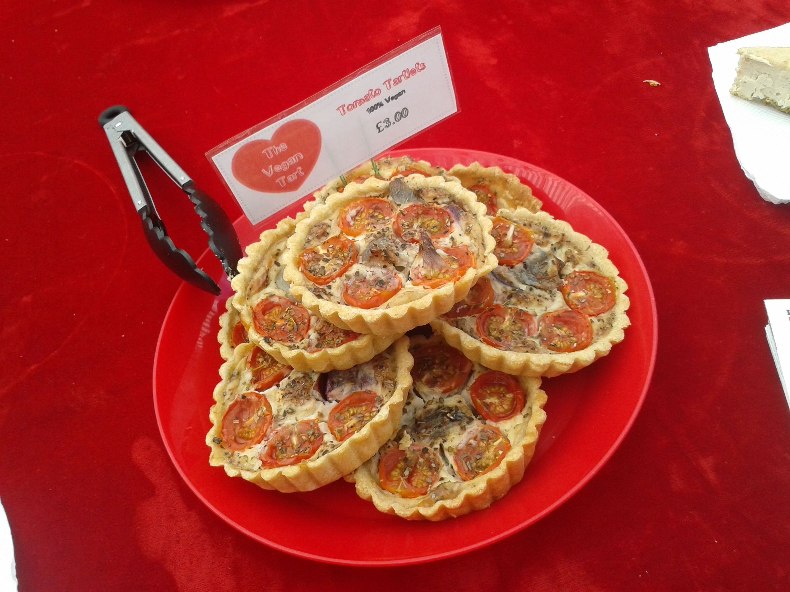 https://i2.wp.com/fatgayvegan.com/wp-content/uploads/2013/08/tomato-tartlets.jpg?fit=2560%2C1920&ssl=1