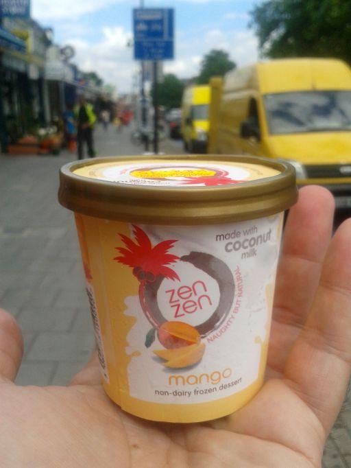 Mango frozen dessert
