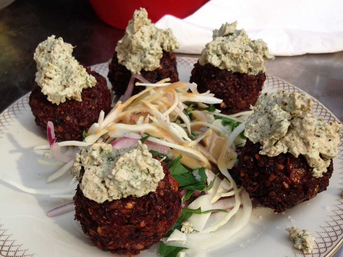 https://i2.wp.com/fatgayvegan.com/wp-content/uploads/2015/06/Croquetas-tapas-at-Alaska-Bar-Berlin.jpg?fit=1200%2C900