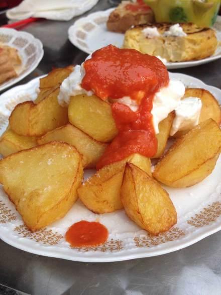 Patatas-bravas-at-Alaska-Berlin
