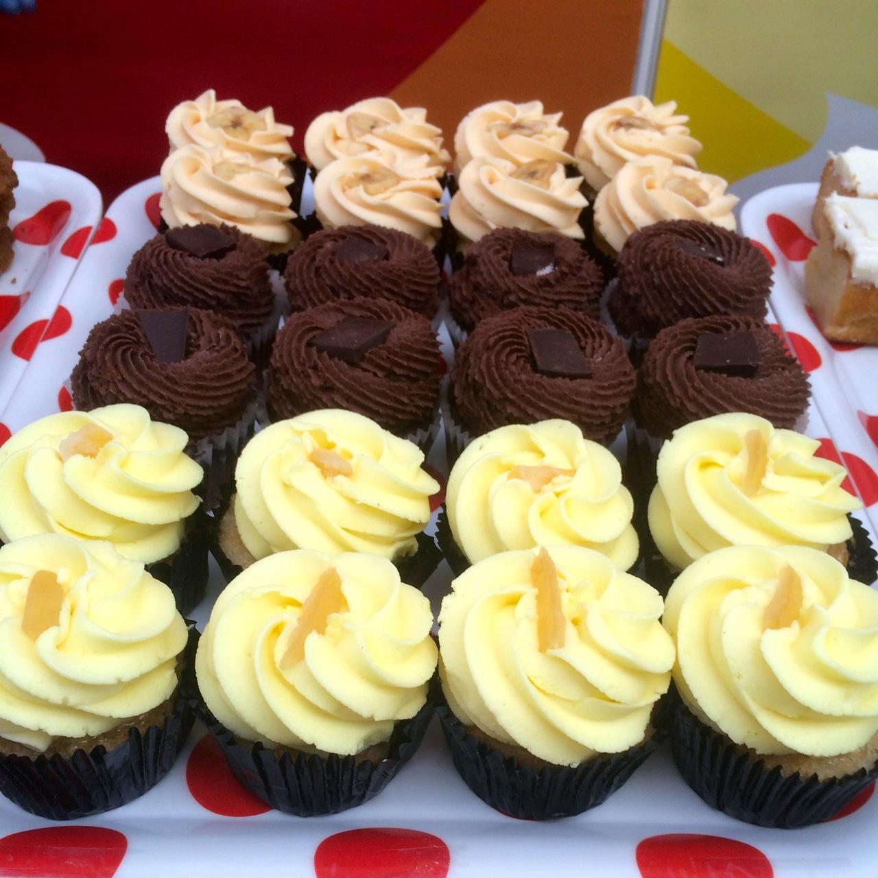 https://i2.wp.com/fatgayvegan.com/wp-content/uploads/2015/07/More-Ms-Cupcake-at-Just-V-Show.jpg?fit=1280%2C1280