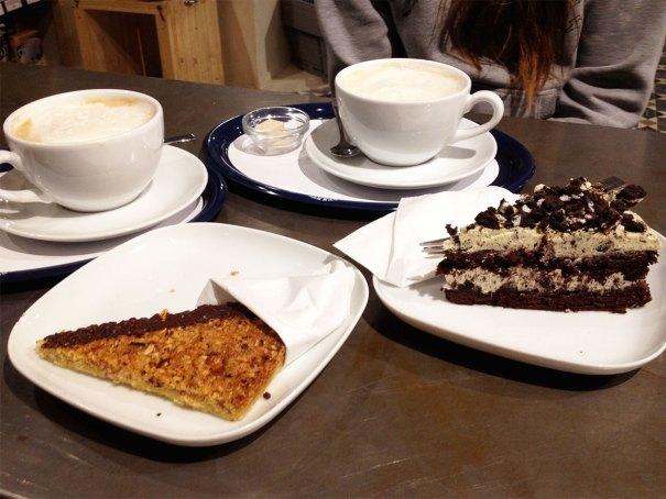 Valladares Berlin vegan cafe, coffee and cake