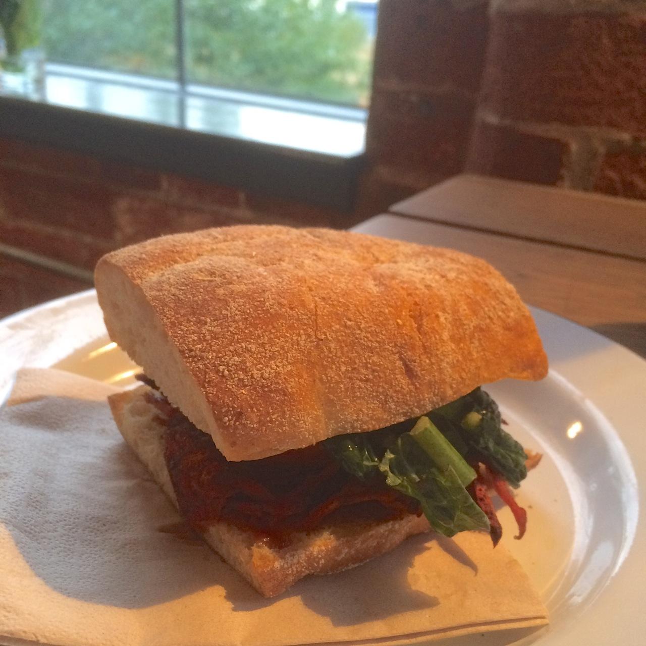 https://i2.wp.com/fatgayvegan.com/wp-content/uploads/2015/11/Sandwich-vegan.jpg?fit=1280%2C1280