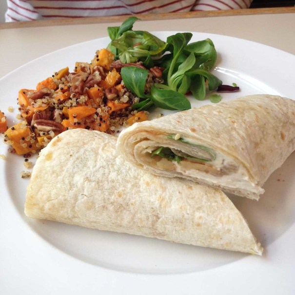 Daantje-vegan-Dordrecht-vegan-brie-maple-syrup-walnut-wrap