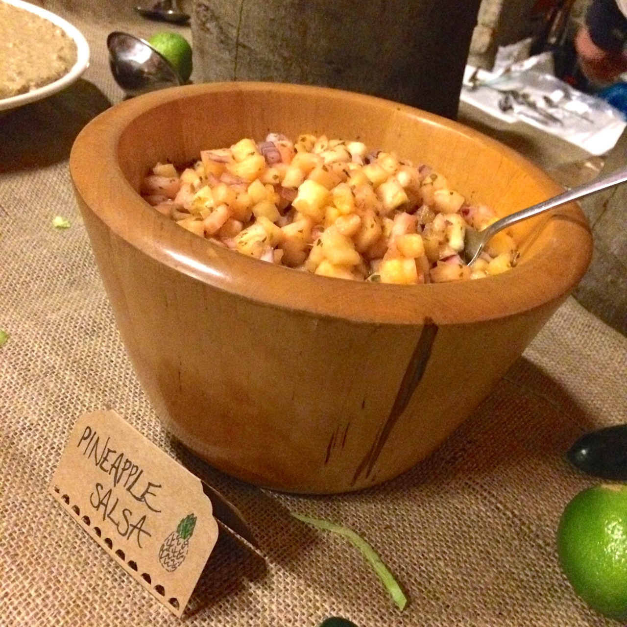 https://i2.wp.com/fatgayvegan.com/wp-content/uploads/2016/01/pineapple-salsa.jpg?fit=1280%2C1280