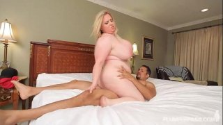 Jogging Busty Plumper Nikky WilderFucked by Trainer Stud