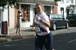 Tamsyn giving a thumbs up during Overton 5 mile race.
