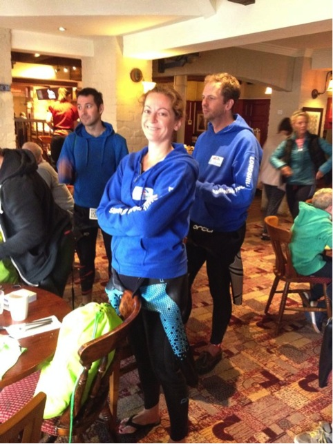 Roelie waiting in the pub.