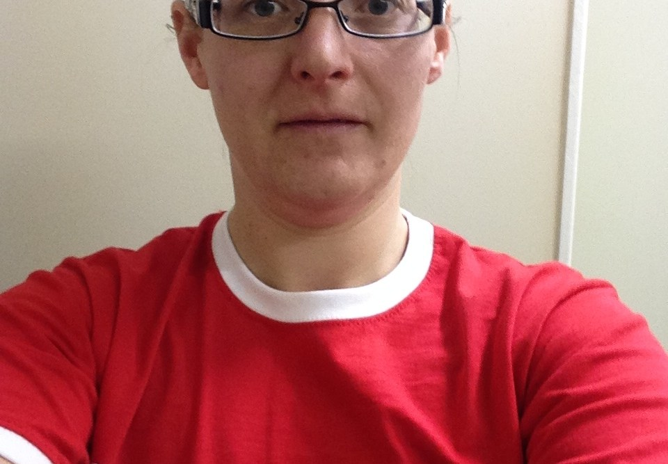 Tamsyn wearing her Challenge Weymouth t-shirt