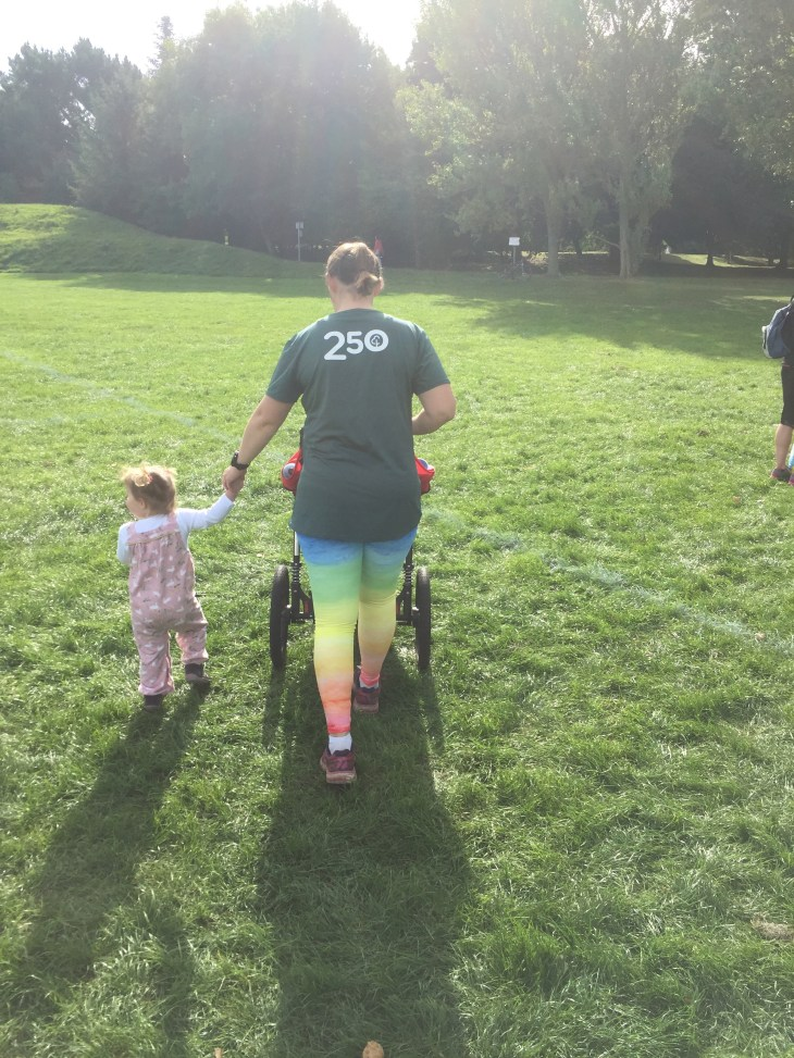 Tamsyn in her Copyiat leggings at Medina parkrun with M