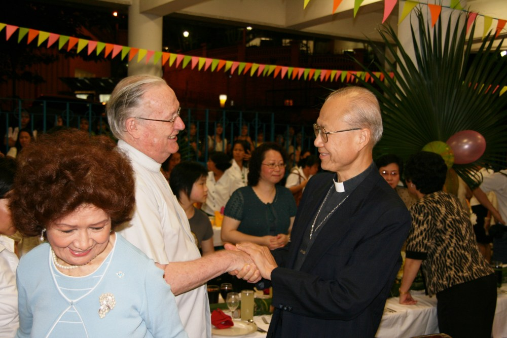 Bishop Tong & Fr Hanly (1)