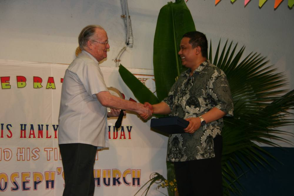 Presentation of Gifts from Fr Midas (2)-min