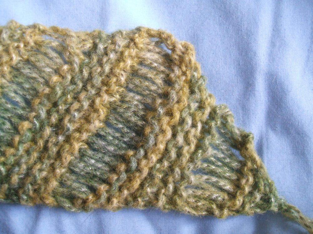 Diagonal Drop Stitch Scarf Pattern (Really) (2/3)