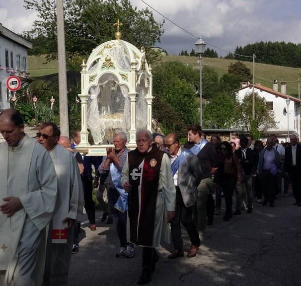 Festa patronale, Rubbio, Maria Bambina, Araldi del Vangelo, Italia-005