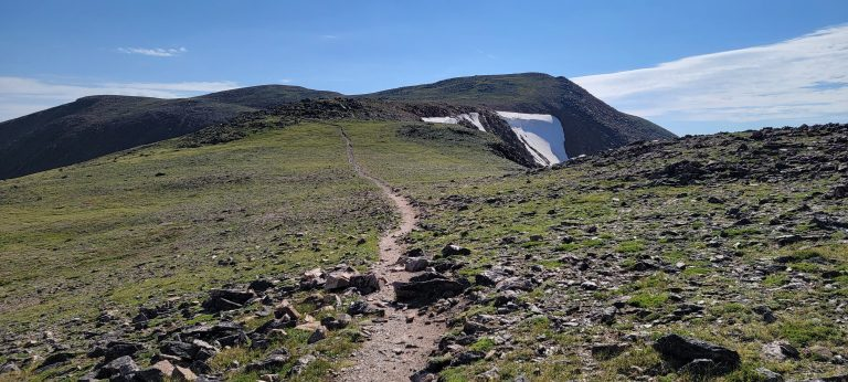 The trail gets pretty thin and narrow while you are in the high country but it is very well defined on the way to Mount Flora.