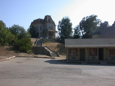 psycho-house-and-bates-motel-courtesy-cliff1066-on-flickr-cc
